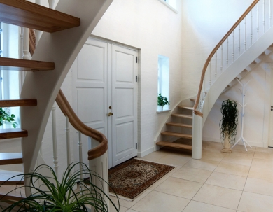 Podwójne schody drewniane
