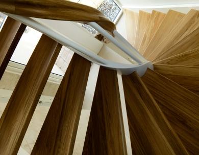 Schody drewniane zabieg 1/2 kształt U