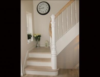 Klasyczne schody zabielane
